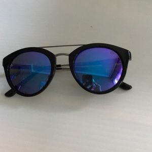 Urban Elements Kinsley Sunglasses